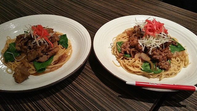2016-Apr-24 SPAGHeTEI - barayaki - small (left), large (right)