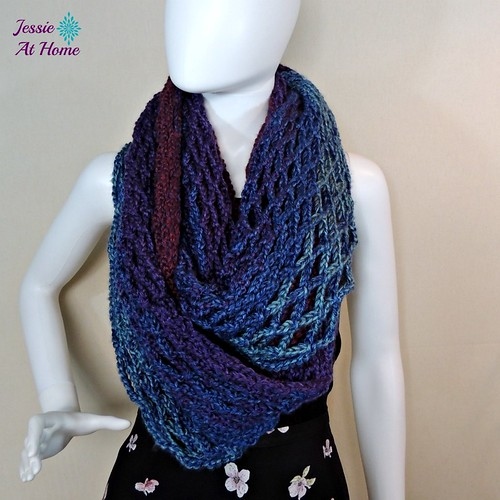 Netties-Super-Simple-Tube-Wrap-free-crochet-pattern-by-Jessie-At-Home-2