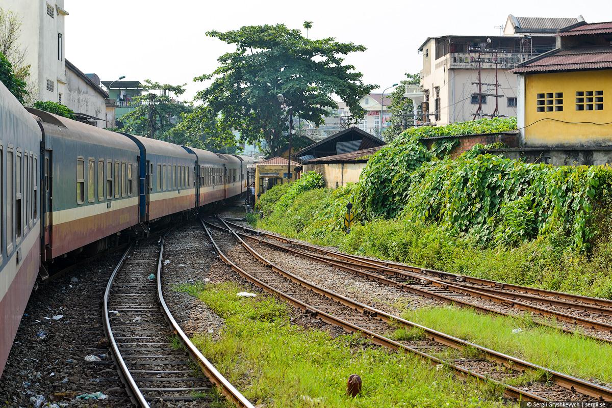 vietnam_reunification_express_train-16