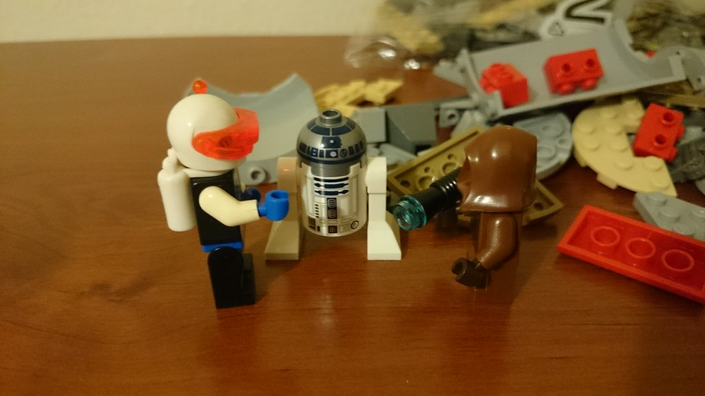 ThebrickReview: LEGO 75136 - (Star Wars) Droid Escape Pod (Pic Heavy!) 25911779905_e5cd646ccd_b