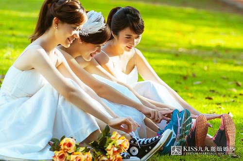 來看看我們在高雄建國國小拍的閨蜜婚紗吧!Kiss九九麗緻婚紗 (12)