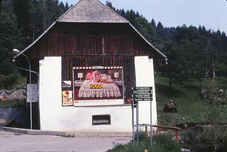 1980_bed_billboard_austria