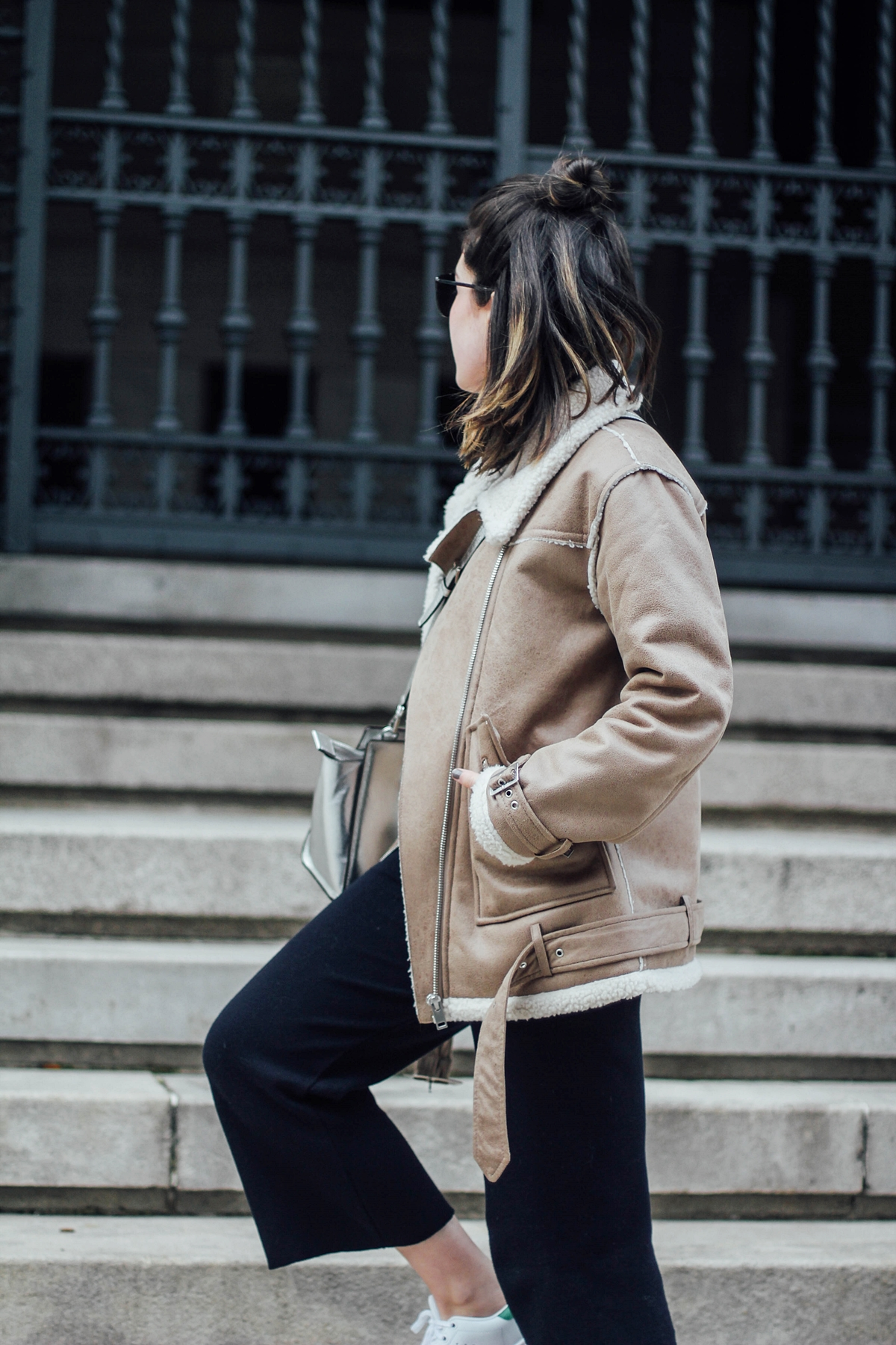 how-to-wear-shearling-jacket