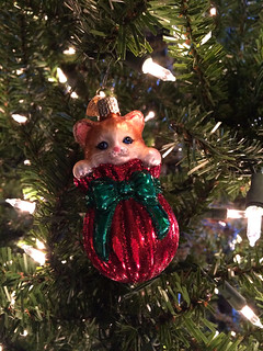 Christmas Tree cat ornament | by Steam Pipe Trunk Distribution Venue