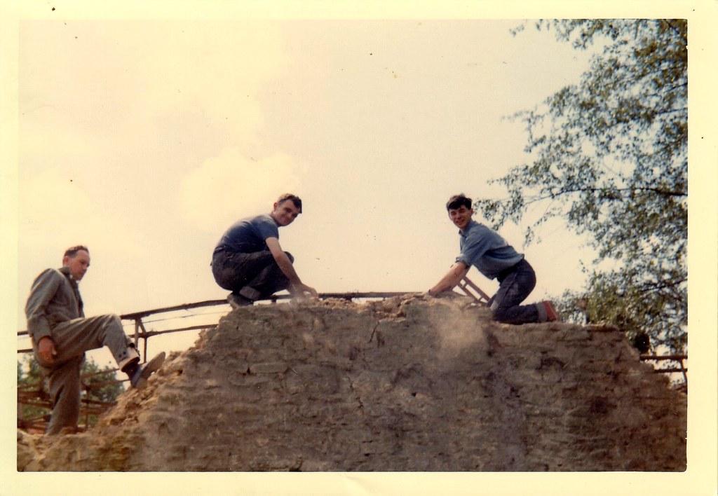 Dismantling workshop roof 1