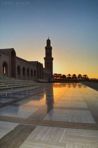 buildings gulf muslim islam religion middleeast sunsets mosque tiles marble arabian oman qaboos muscat islamicarchitecture grandmosque omani mineret