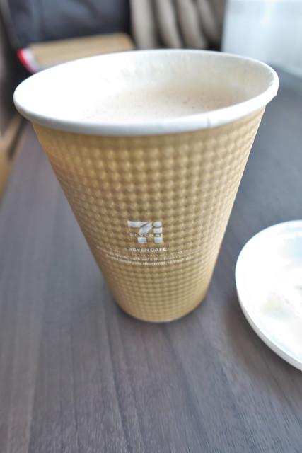 セブンカフェ ホットカフェラテ_03