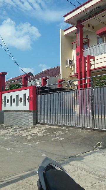Dijual Rumah Mewah di Jatiwaringin dengan konsep penerangan terbaik saat siang dan malam (3)