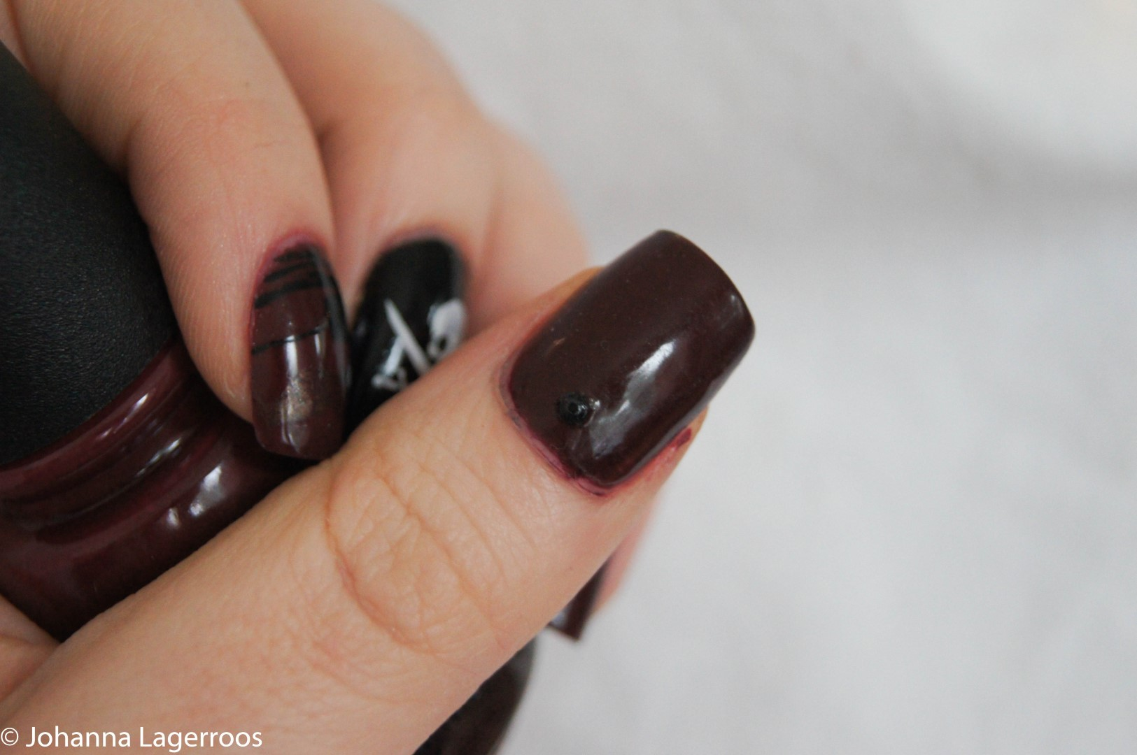 deep burgundy nails