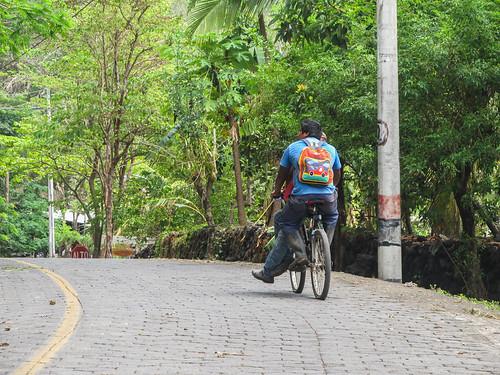 Santo Domingo: pourquoi conduire seul son vélo quand on peut s'y mettre à deux ?!