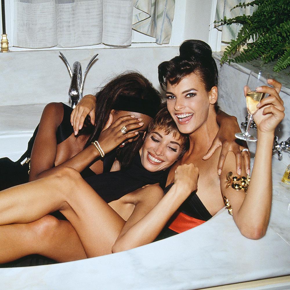 Super models New Year Party Photos oNaomi Campbell, Linda Evangelista, Christy Turlington Vogue Editorial 90s Vintage