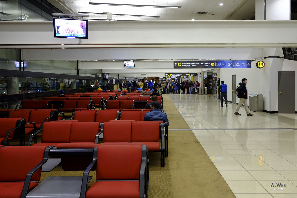 Waiting area at SCL
