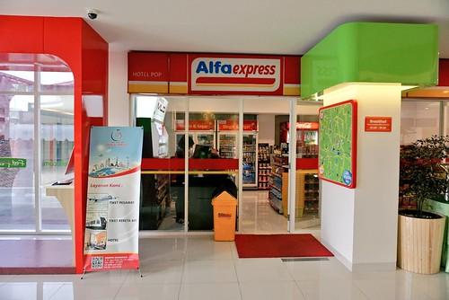 Pop Hotel Stasiun Kota - Surabaya