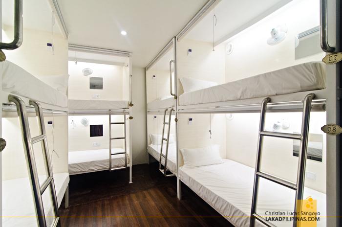 Tambayan Hostel Manila Capsule Room