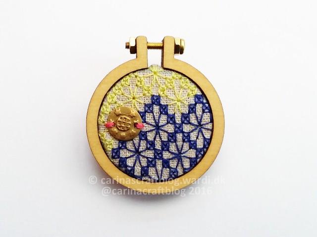 Mini hoop brooch