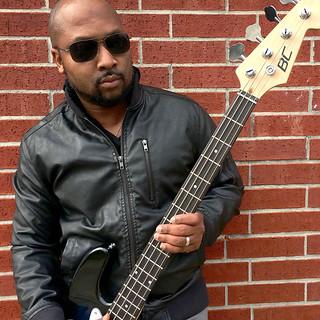 mocha man style bass guitar