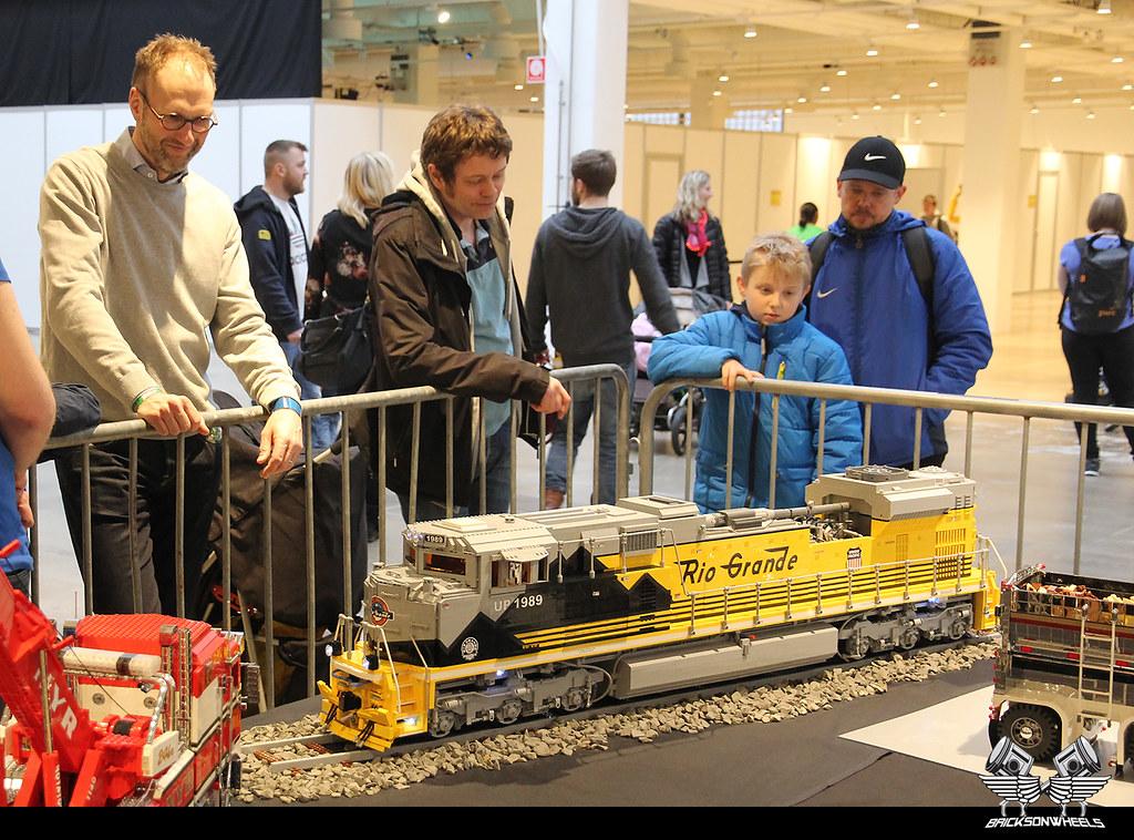 Legoworld DK: Jørgen Vig Knudstorp visiting our Scale Modeling booth