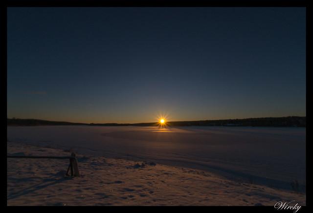 Laponia motos nieve renos pueblo papa noel - Atardecer desde la granja de renos