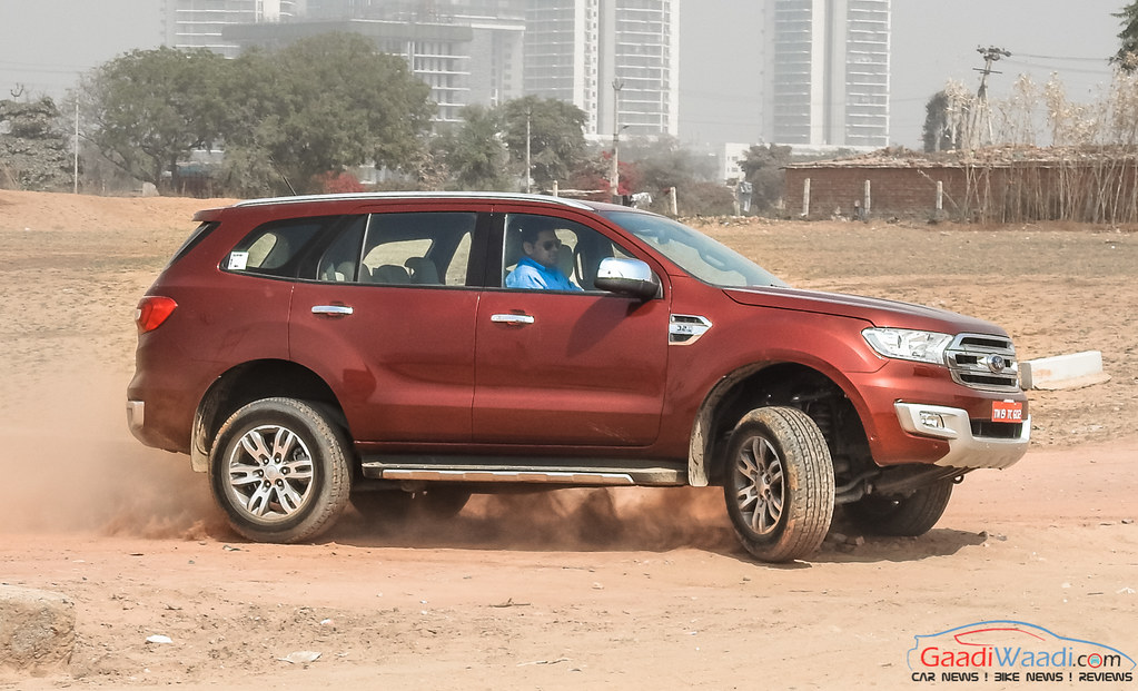 2016 ford endeavour 3.2 review side view-2