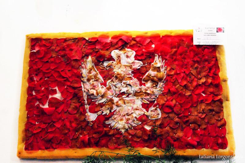 На выставке композиций из камелии