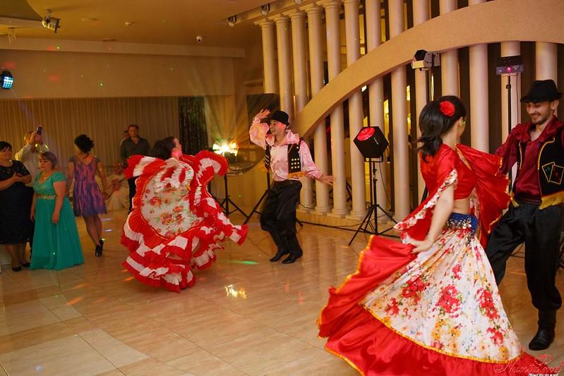 Профессиональные танцоры на свадьбах и на куматрии !!!