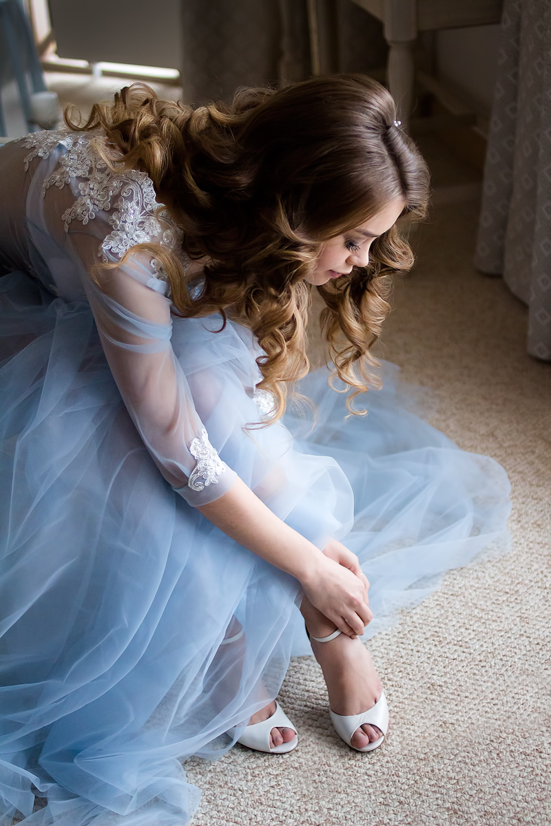 """A blue wedding gown for """"something blue"""" winter wedding   fabmood.com #styledshoot"""