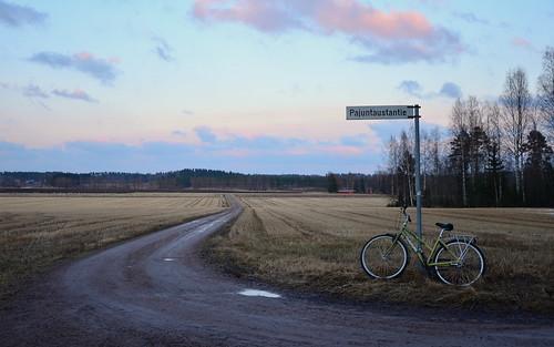 road sunset nature field bike bicycle sign clouds suomi finland landscape evening countryside spring tie maisema ilta polkupyörä luonto pilvet kyltti auringonlasku kevät tunturi maaseutu pelto hiekkatie pyörä tienviitta