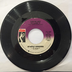 STAPLE SINGERS:RESPECT YOURSELF(RECORD SIDE-B)