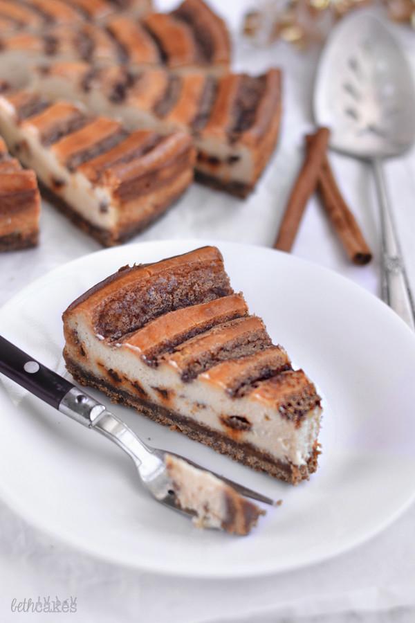 Cinnamon Swirl Cheesecake! bethcakes.com