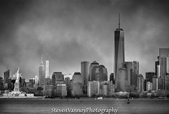 I love black & white photography..and there's nothing better than photographing my favorite city!!! Mother Nature blessed me with some nice lighting for this shot. #StevenVannoyPhotography #nyc #canon5dmarkiii #StatueOfLiberty #freedomtower #skyline