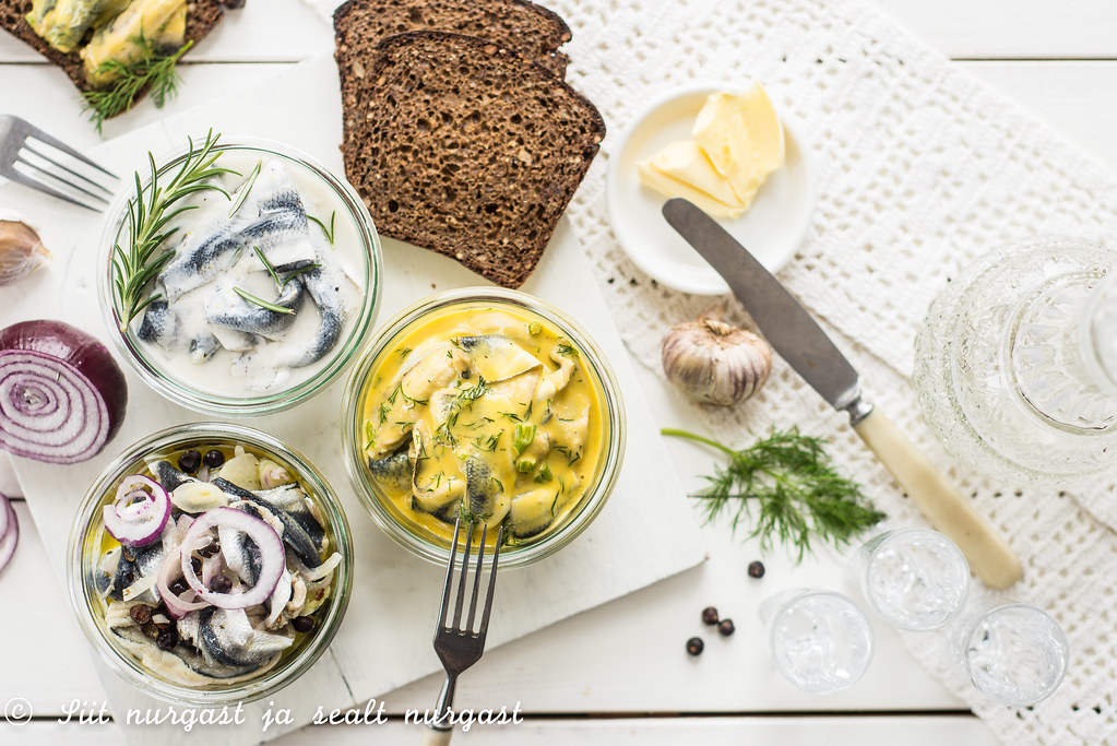 räimed kolmel moel/pickled baltic herring, three ways
