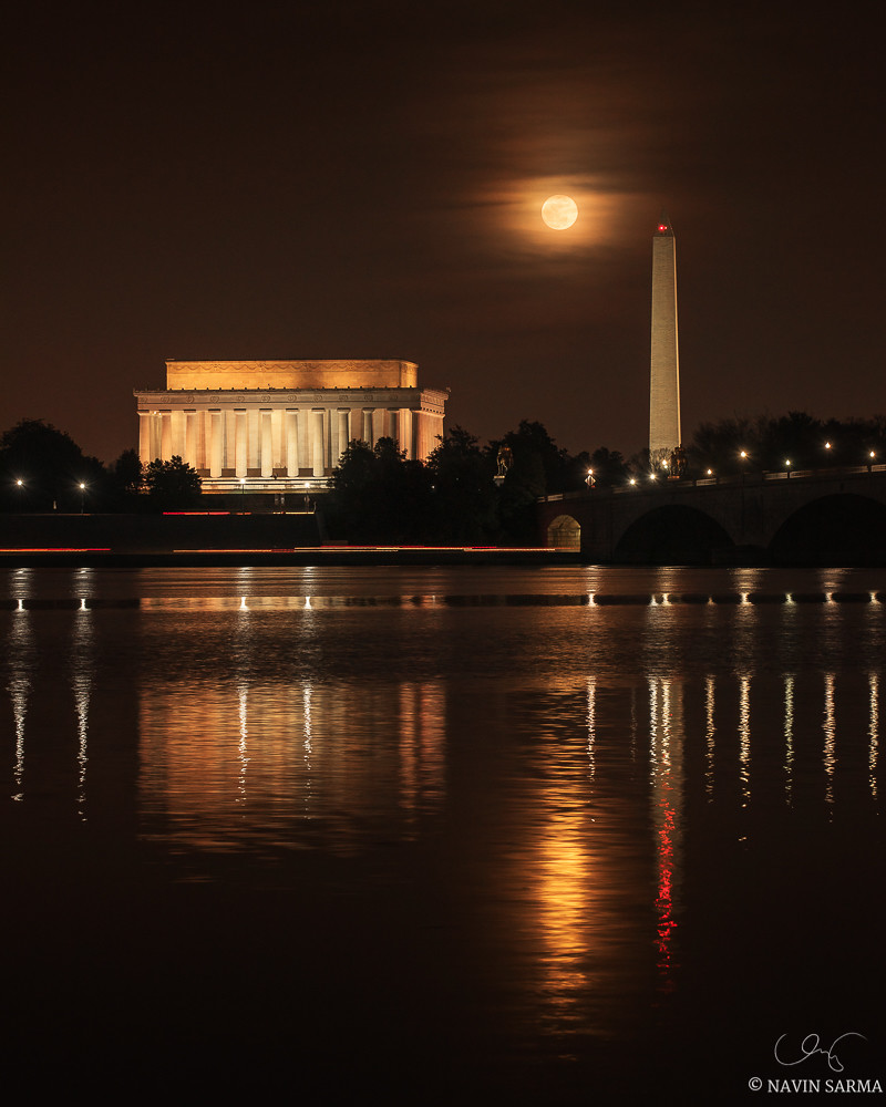 Moonrise over Washington DC