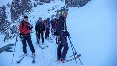 Nasza grupa, przewodnik Giuseppe (gospodarz schron. Marinelli) i jego japoński klient. Podejscie na przełęcz Marinelli Orientale.