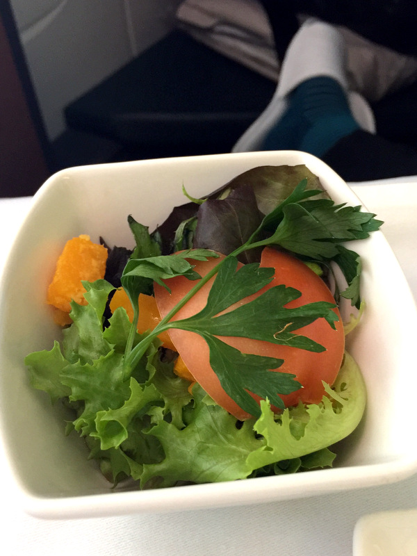 CX 748 JNB to HKG - Butternut and Mesclun Salad with Tomato Pistachio Dressing