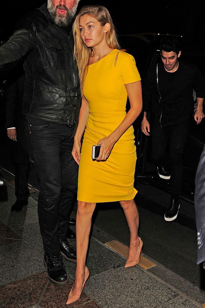 Gigi Hadid Style Fashion Street style12