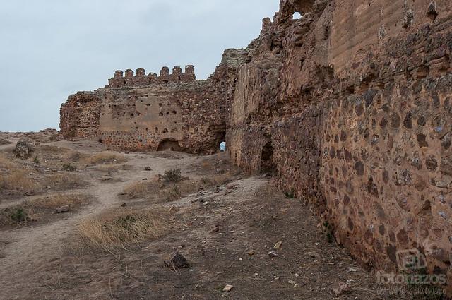 Castillo de Almonacid de Toledo, más info en http://www.fotonazos.e