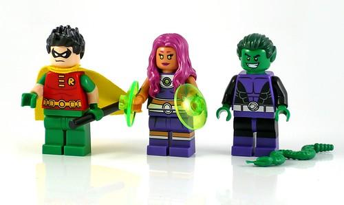LEGO DC Superheroes 76035 Jokerland figures 06