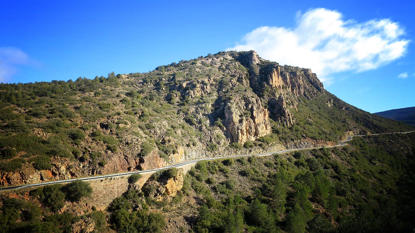 Llordà - Castell de Llordà - Siall - Mare de Déu de la Posa - Parc Cretaci