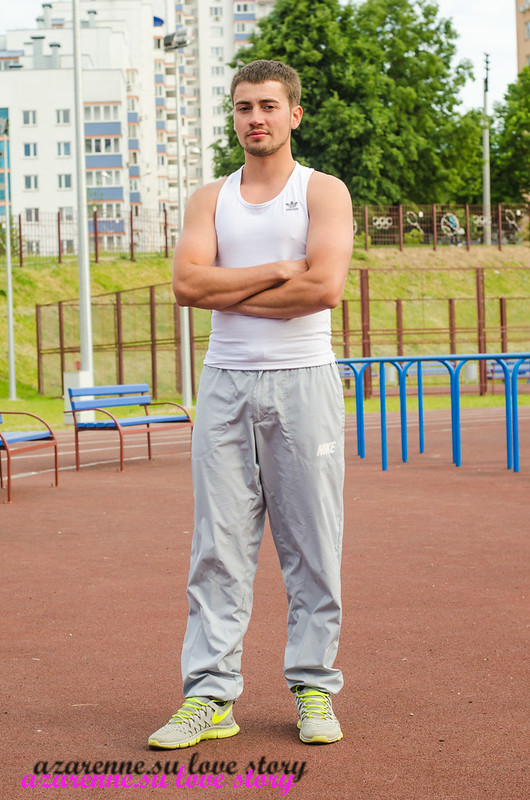 Спортсмен на стадионе