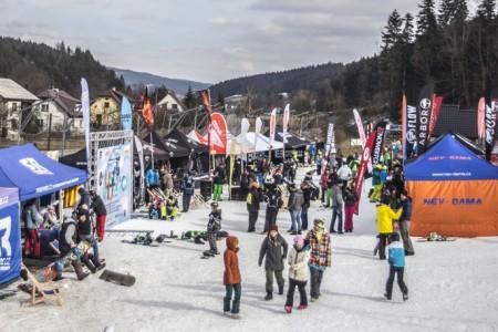 Na šumavském Špičáku v sobotu vyvrcholí šestídílná tour snowboardových happeningů Just Ride! 2016