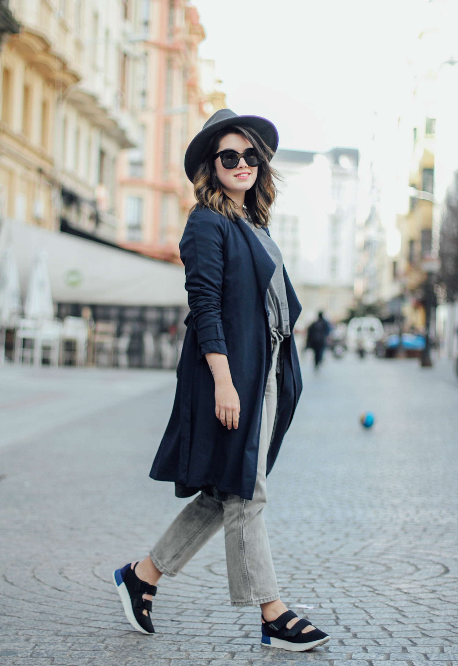 flatform velcro sneakers uterque balmain inspiration with long trench streetstyle