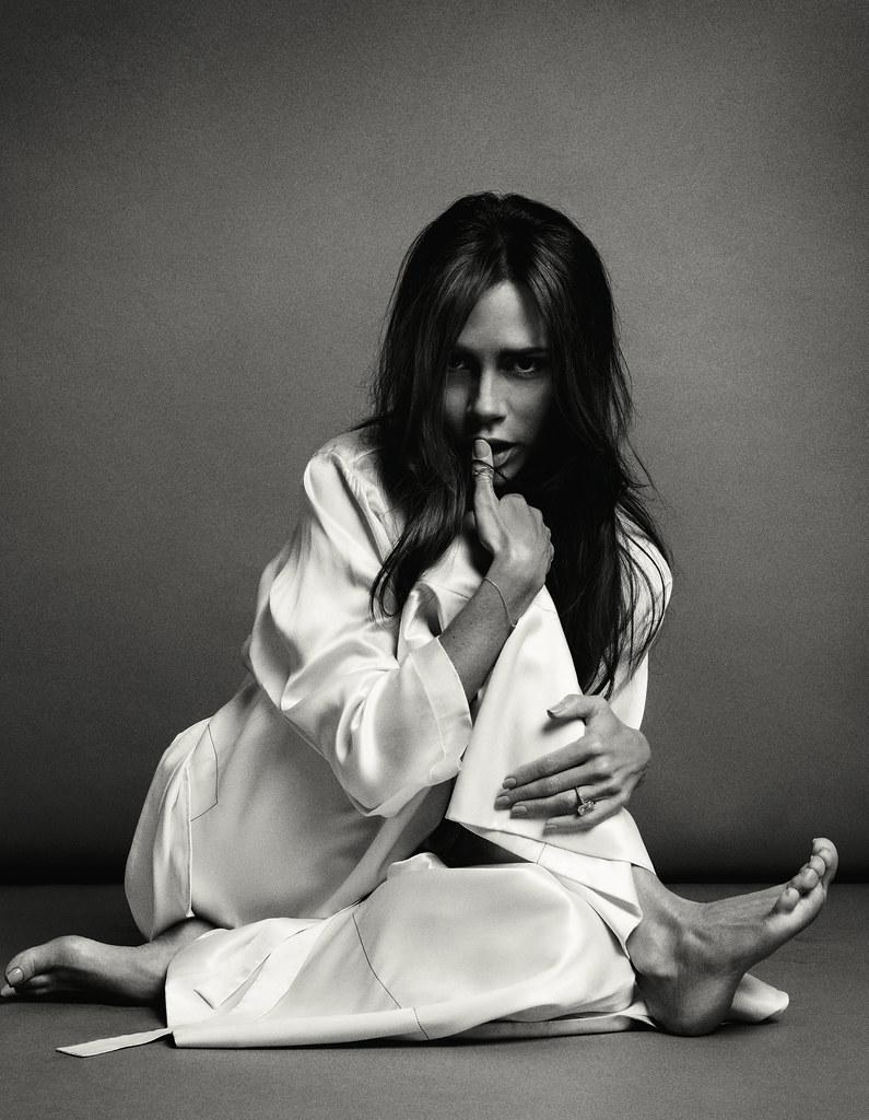 Виктория Бекхэм — Фотосессия для «Vogue» CH 2016 – 3