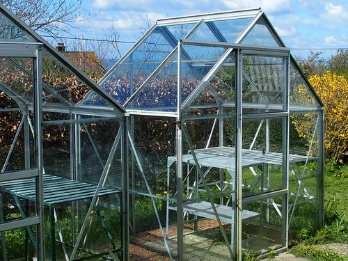 Isolation greenhouse