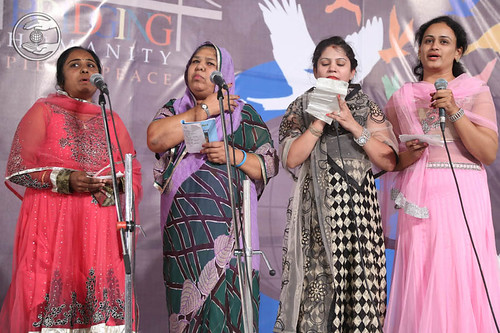 Sindhi devotional song by Komal and Saathi from Jodhpur