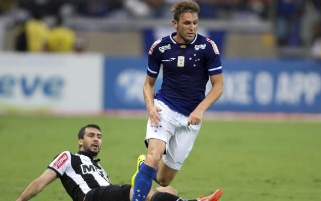 Cruzeiro espera ter refor�os do exterior contra a URT, mas fica sem Fabiano