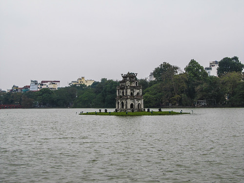 Hanoi: le lac Hoàn Kiêm