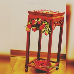 Most of the times love let's a person be kinder than before. #love #creative_ideas #indoors #photograghy #flowers #leaves #table #stem #green #red #pink #patels