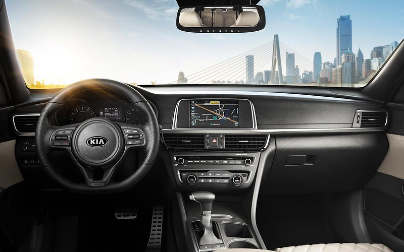 background_optima_2016_interior_driver_oriented_design--kia-1920x-jpg