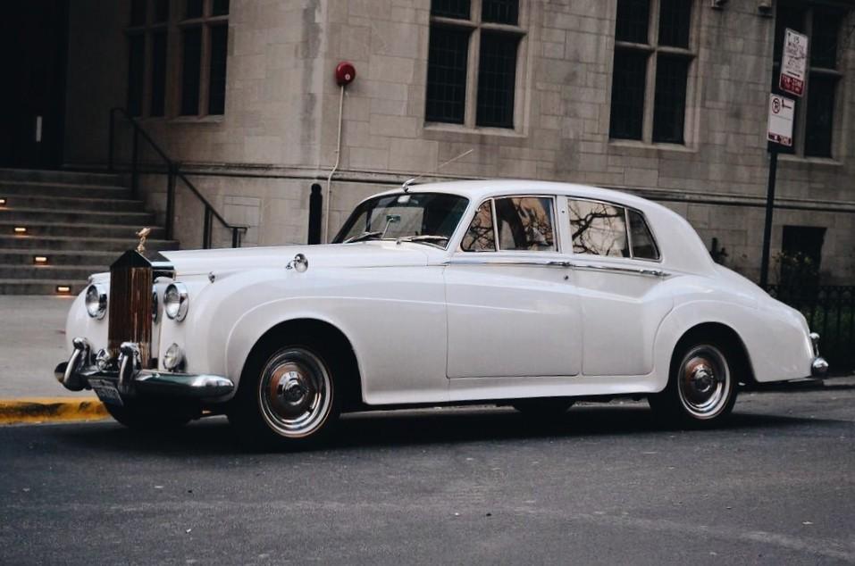 weißes Auto in Chicago