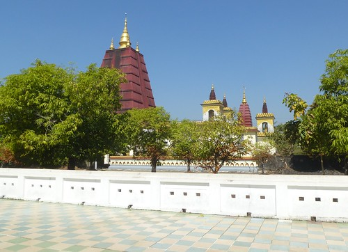 Birmanie-Yangon-Twante-Pagode des serpents (14)